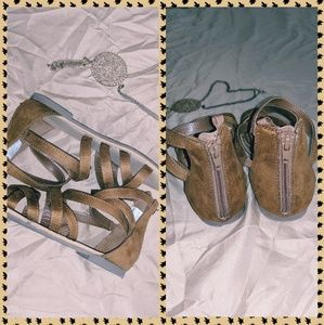 Girls Brown Gap Sandals Great Used Condition!